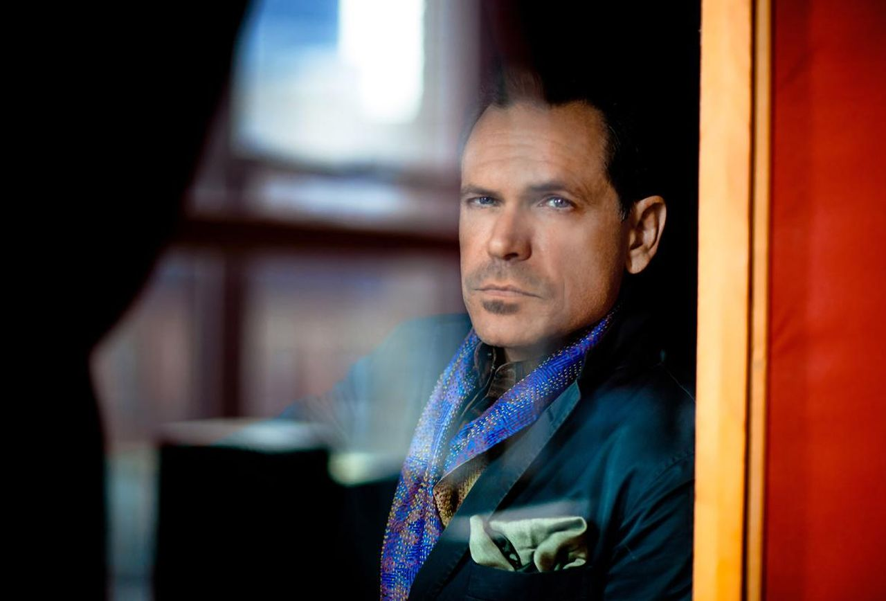 See Jazz Vocalist Kurt Elling Live
